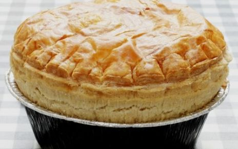 how to bake pie, how to bake steak and kidney pie, steak and kidney pie