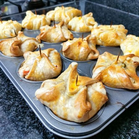 how to make chicken pies