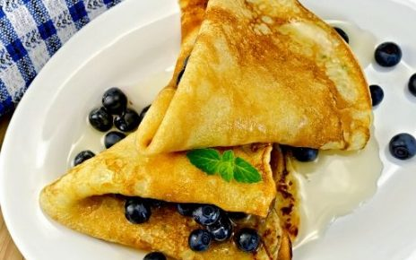 easy blueberry and creamcheese hotcakes