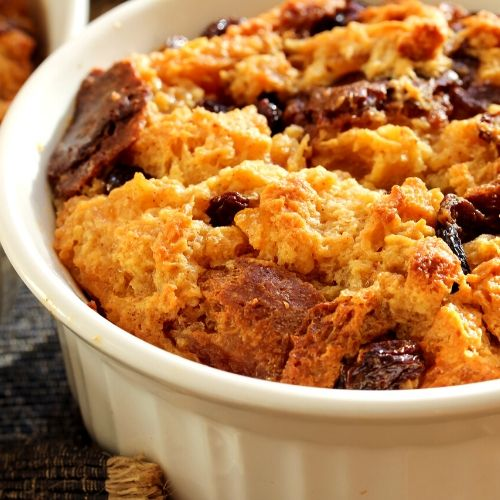 Bread Pudding with Pecan Nuts